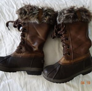 Shoes - London fog boots size 3 color brown